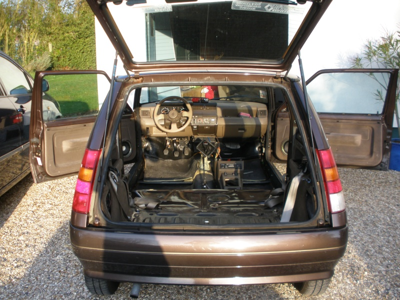 int rieur renault super 5 baccara showroom