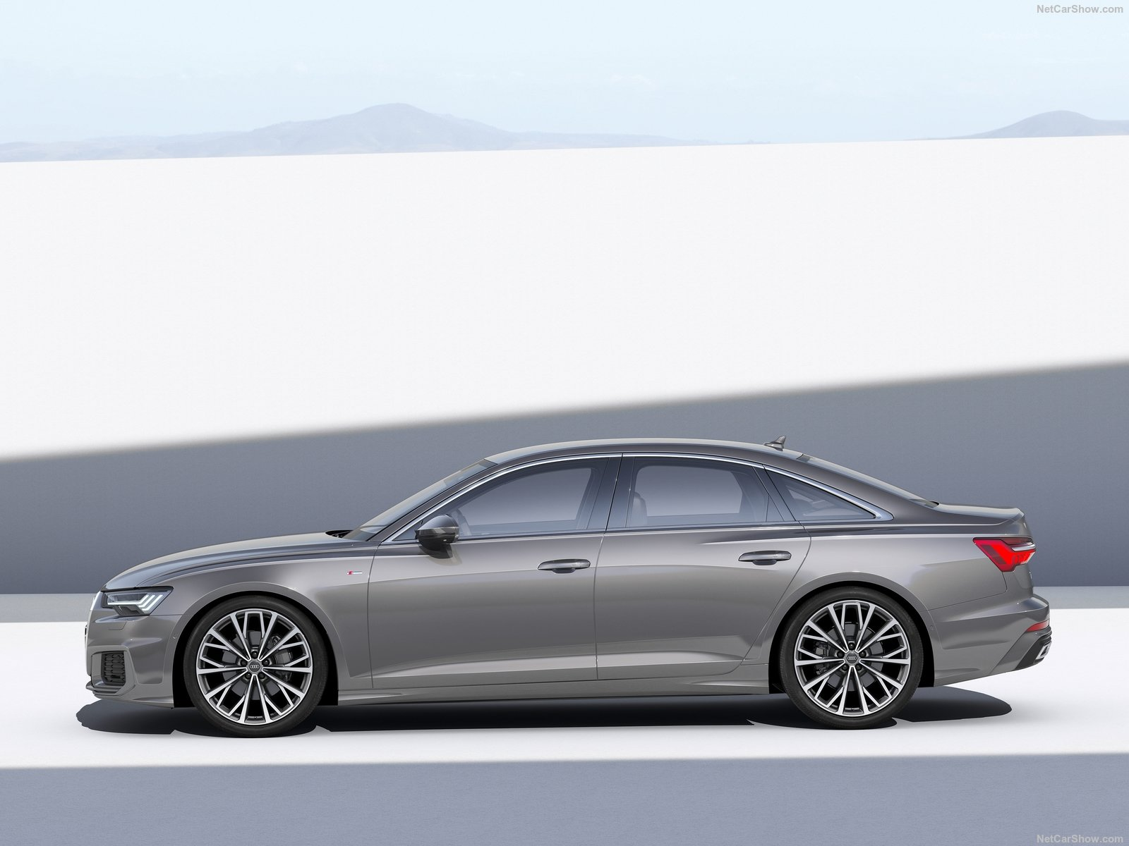 2019 Audi A6 C6 Vs 2019 Bmw 5 Series G30 Visual Comparo