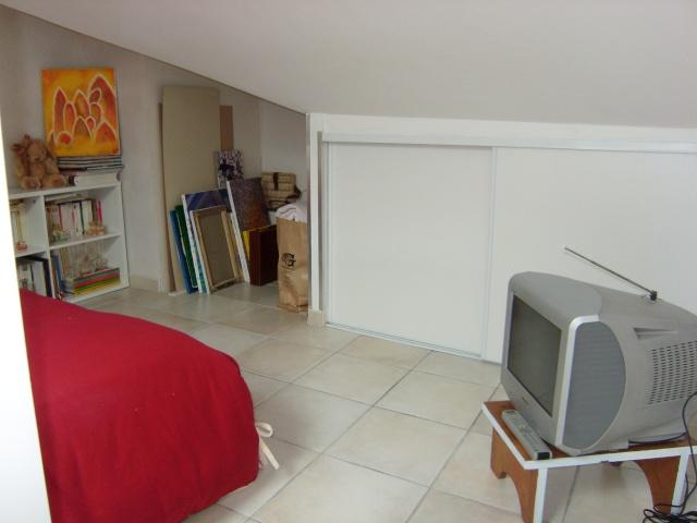 conseil deco chambre sous comble. Black Bedroom Furniture Sets. Home Design Ideas