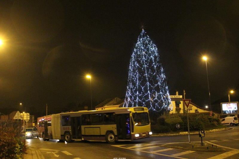 Le 731 à Tinqueux pendant la période de Noël.