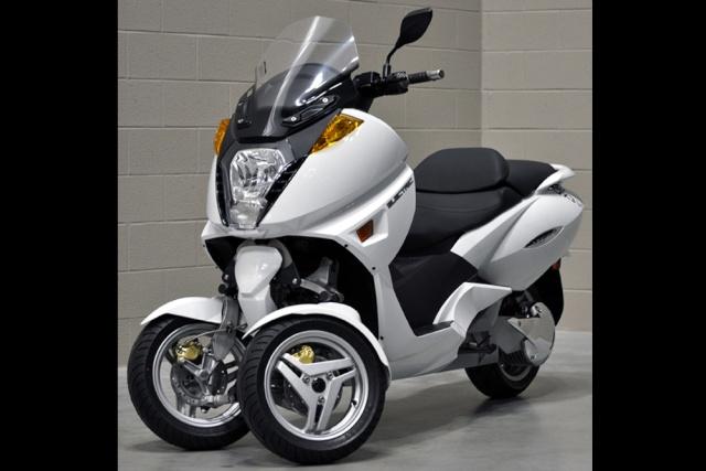 nouveau vectrix vx 3 li le scooter gt lectrique se met sur 3 roues en 2012. Black Bedroom Furniture Sets. Home Design Ideas