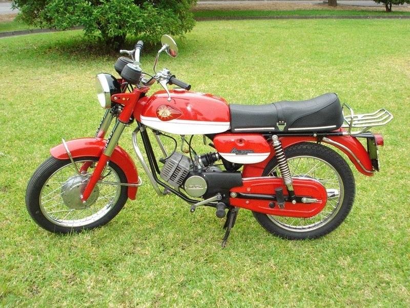 Efs on Morini Moped Gyromat