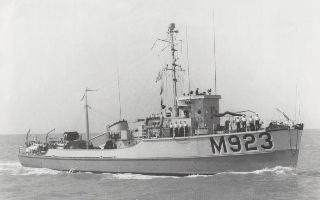 m923-110.jpg