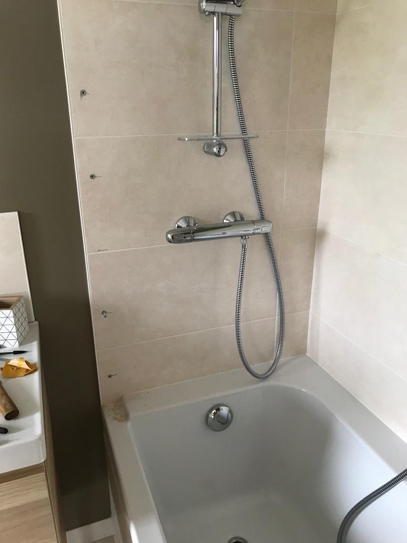 Installer un pare baignoire sans percer stunning installer un pare baignoire sans percer with - Comment fixer un pare baignoire ...