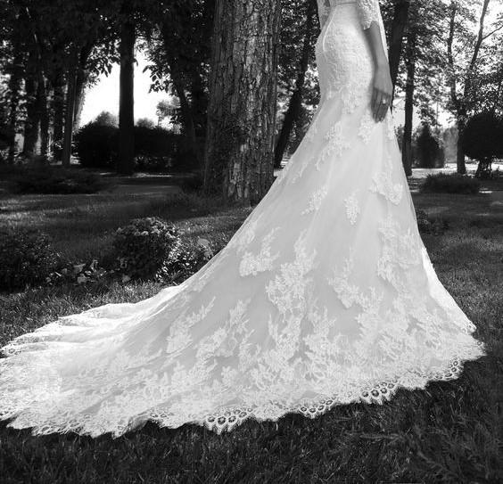 Custom made wedding dress for alie callister tera en masse get inspired with our custom made wedding dress with a beautiful lace pattern gallery from famous designers tailors their romantic colour palette junglespirit Gallery
