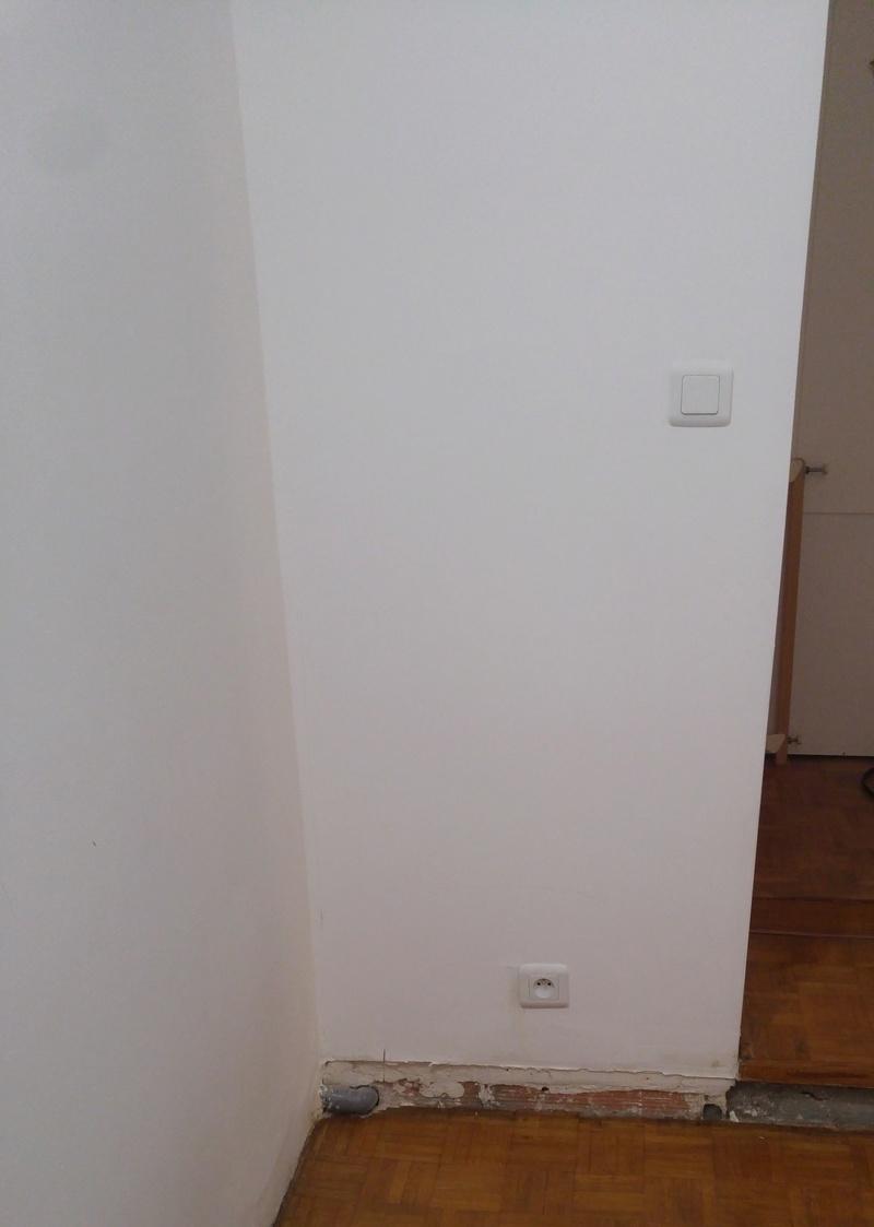 cacher un tuyau. Black Bedroom Furniture Sets. Home Design Ideas