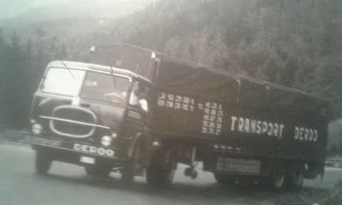 chaque mois lisez des camions et des hommes et trucking st. Black Bedroom Furniture Sets. Home Design Ideas