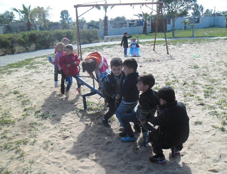 رحلة ترفيهية لروضة الطفولة البريئة sam_4726.jpg