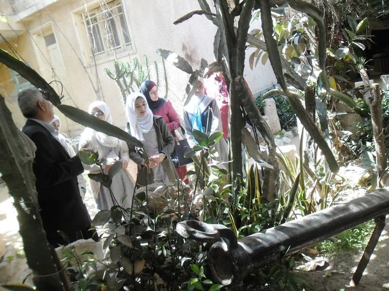 طالبات الإعدادية يزرن متحف العقاد sam_8033.jpg